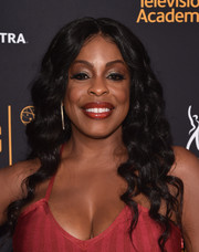 Niecy Nash looked flirty with her mermaid curls at the Television Academy and SAG-AFTRA Dynamic and Diverse celebration.