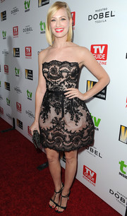 Beth Behrs complemented her dress with elegant T-strap heels.