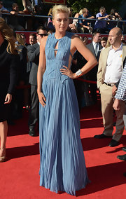 Maria Sharapova looked like a Grecian goddess in this pale blue pleated cutout dress at the ESPY Awards.