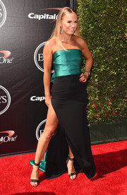 Caroline Wozniacki kept it classic at the ESPYs in a two-tone strapless gown, made sexier with the addition of a hip-grazing slit.