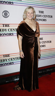 Glenn Close wore a chocolate velvet evening dress with a ruched bodice for the Kennedy Center Honors.