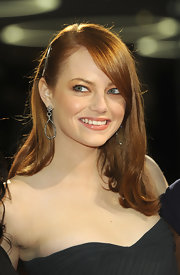 Emma Stone shone at the German premiere of 'The Help' wearing a pair of 14-carat rhodium and diamond earrings.