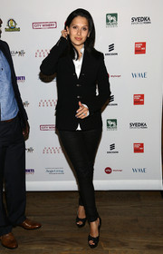 Hilaria Baldwin was casual yet smart in black skinny jeans and a fitted jacket at the Inaugural Hope North Gala.