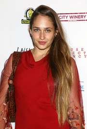 Jemima Kirke left her ultra-long hair loose when she attended the Inaugural Hope North Gala.