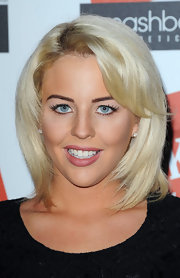 Lydia Bright wowed the crowd in a medium straight cut with bangs at The LOOK Show in London.