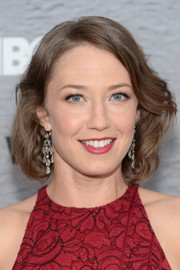 Carrie Coon looked adorable with her short wavy 'do at the premiere of 'The Leftovers.'