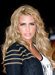 Katie Price rocked some serious false lashes at 'The Lion King 3D' premiere. To try her look, go for the longest lashes you can find, add a small amount of lash glue to the strips and apply along the upper lash lines. A coat of two of mascara will help blend your natural lashes with the false lashes and add even more volume.