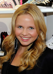 Alli Simpson visited the Pastry booth at the MAGIC Clothing Industry Convention fresh-faced, with her wavy, golden tresses flowing.