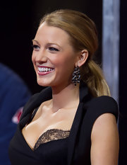 Blake perfectly paired her Antonio Berardi dress with gemstone earrings.