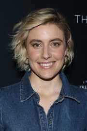 Greta Gerwig looked cute wearing this short wavy 'do at TheWrap's 2018 Women, Whiskey and Wisdom Celebrating Oscar Nominees.