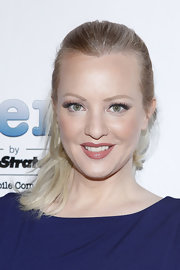 Wendi McLendon-Covery attended 'TheWrap' 3rd Annual pre-Oscar party wearing her hair in a simple sleek ponytail.