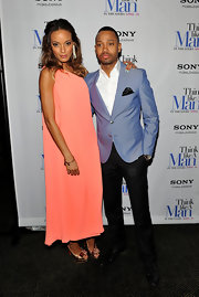 Selita Ebanks channeled Jackie O in this single-shoulder peach shift gown on the 'Think Like a Man' red carpet.