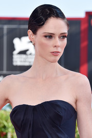 Coco Rocha went retro-glam with this finger wave at the Venice Film Festival premiere of 'The Third Murder.'