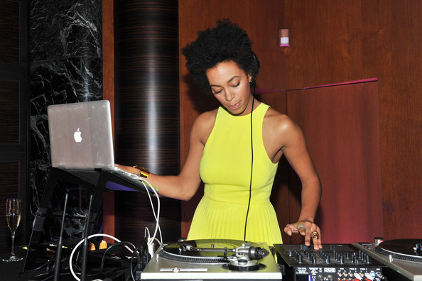 More Pics of Solange Knowles Short Curls (1 of 9) - Solange Knowles Lookbook - StyleBistro