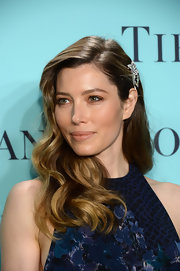 Jessica's highlighted locks just gleamed on the red carpet, especially when pulled back with a glitzy hair piece.