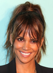 Halle Berry went rocker-glam with this messy ponytail at the unveiling of Tiffany & Co.'s renovated Beverly Hills store.
