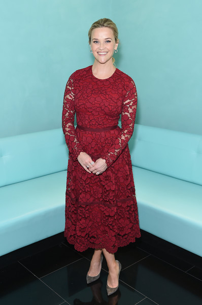 Look of the Day: November 30th, Reese Witherspoon