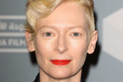 Tilda Swinton Finger Wave