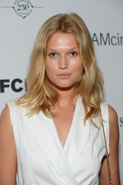 Toni Garrn attended the New York premiere of 'Time Out of Mind' wearing her hair in casual waves.