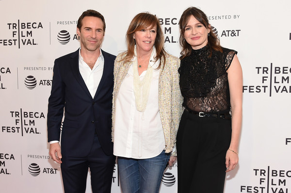 More Pics of Emily Mortimer Wide Leg Pants (8 of 18) - Pants & Shorts Lookbook - StyleBistro [fashion,event,premiere,fashion design,suit,white-collar worker,style,alessandro nivola,jane rosenthal,emily mortimer,to dust,new york city,sva theatre,tribeca film festival,screening]