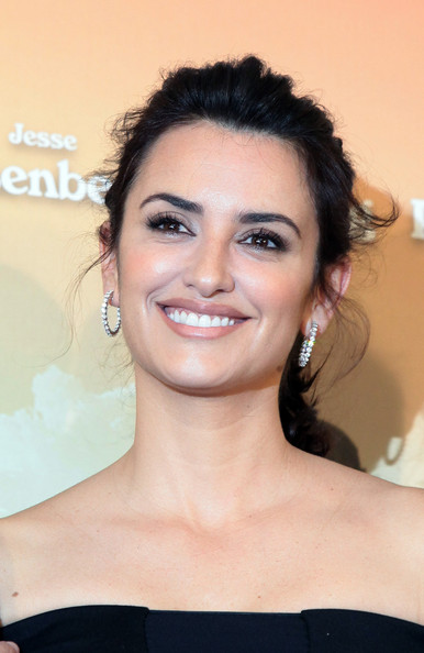 More Pics of Penelope Cruz Ponytail (1 of 17) - Ponytail Lookbook - StyleBistro