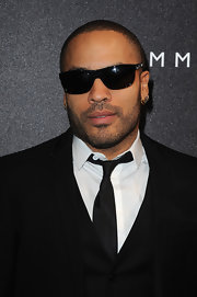 Lenny Kravitz was classically cool in wayfarer sunglasses.