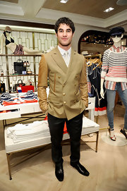 Darren Criss showed his classic taste with a tan blazer at the opening of the West Coast Tommy Hilfiger store.
