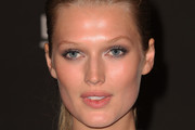Toni Garrn Luminous Skin