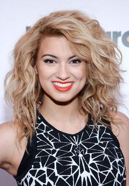 Tori Kelly Hair
