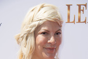 Tori Spelling Loose Braid