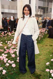 Liya Kebede attended the Tory Burch fashion show rocking a pair of extra-baggy jeans.