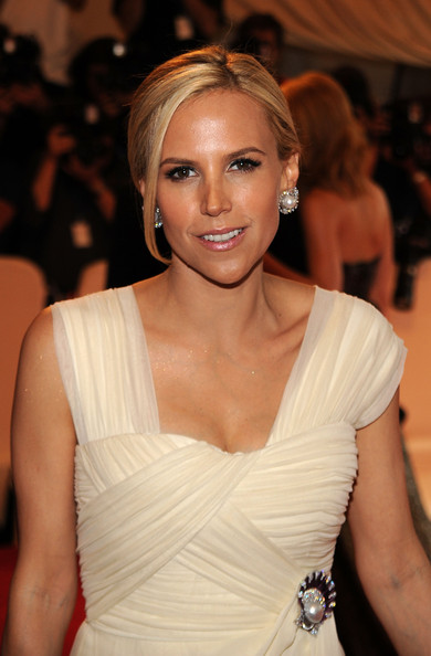 Tory Burch Classic Bun [american woman: fashioning a national identity,hair,hairstyle,clothing,shoulder,beauty,dress,eyebrow,chin,blond,lip,tory burch,arrivals,costume institute gala benefit,metropolitan museum of art,new york city,met gala,opening,exhibition]