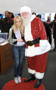 The ever-adorable Kristin Chenoweth gussied-up her whiskered skinnies with a glistening pair of booties.