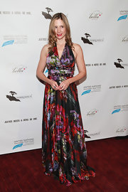 Mira Sorvino looked divine in her printed halter dress at the 'Trade of Innocents' premiere.