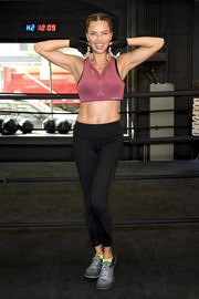 Adriana Lima showed off a sporty-sexy Victoria's Secret bra while training at DogPound.