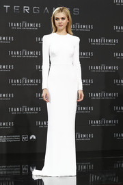 Nicola Peltz looked absolutely impeccable in this minimalist yet elegant white Stella McCartney evening dress at the 'Transformers: Age of Extinction' Berlin premiere.