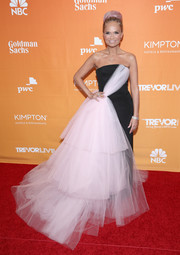 Kristin Chenoweth stole the spotlight at the 2017 TrevorLIVE LA Gala with this Christian Siriano strapless gown that featured a voluminous cascade of pink tulle from the neckline down the front and side.