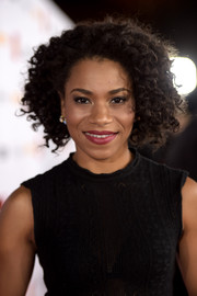 Kelly McCreary looked fab with her short curls at TrevorLIVE LA 2015.
