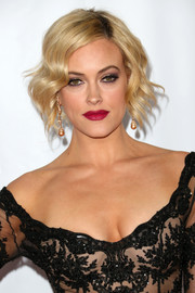 Peta Murgatroyd went for a sexy beauty look with berry lipstick and smoky eye makeup.