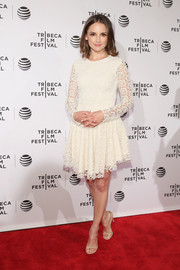 Rachael Leigh Cook went the ultra-ladylike route in a long-sleeve white lace dress at the Tribeca Film Festival Awards.