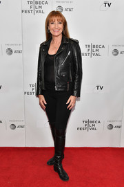 Jane Seymour matched her jacket with a pair of flat leather boots.