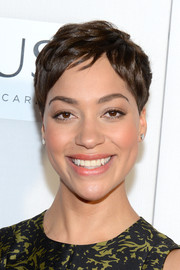 Cush Jumbo wore her hair in a textured pixie at the Tribeca Film Fest screening of 'The Good Wife.'