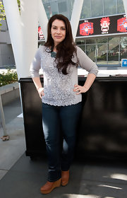 Stephenie's dark-washed bootcut jeans showed off her tan wedge booties perfectly.