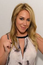 Haylie Duff wore her layered locks in loose, slightly textured waves.