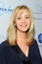 Lisa Kudrow sported a stylish mid-length bob at the Open Mind Gala.