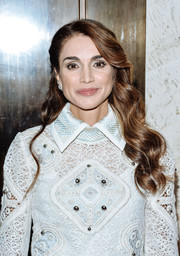 Queen Rania looked lovely with her half-pinned waves at the UN Foundation's Gender Equality Discussion.