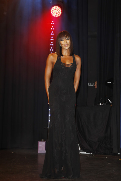More Pics of Naomi Campbell Mid-Length Bob (2 of 17) - Naomi Campbell Lookbook - StyleBistro