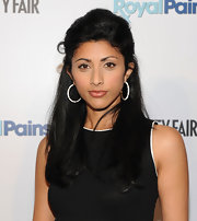 Reshma Shetty looked oh-so-feminine at the 'Royal Pains' Season Two kick-off event with this half-up half-down 'do.