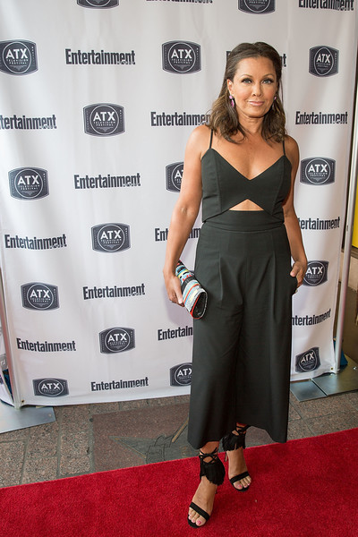 5d05fbee59b Vanessa Williams added extra oomph with a pair of fringed black sandals.