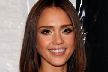 Jessica Alba's Medium Hairstyle